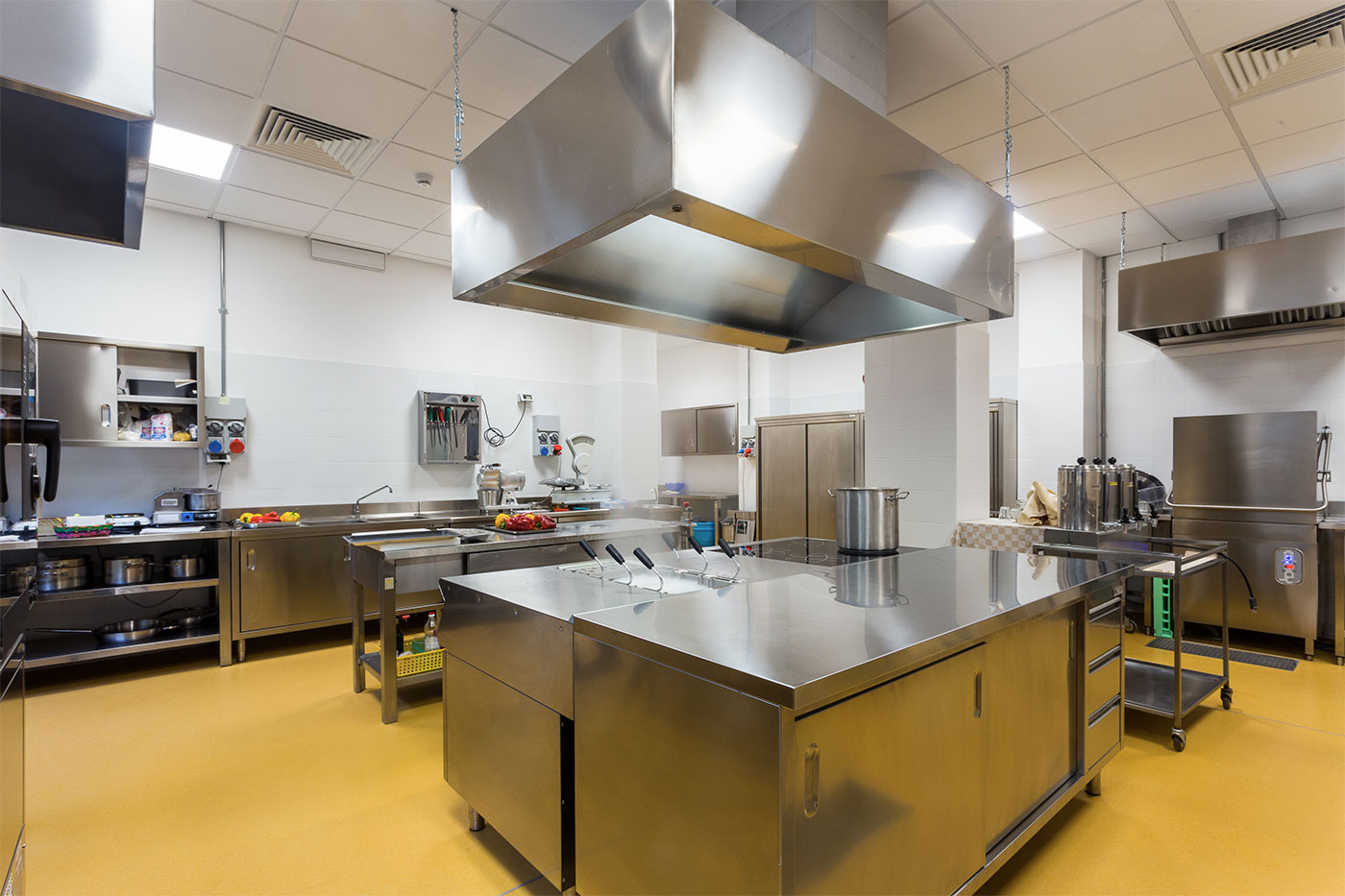 Cleaning Services for Restaurants - Restaurants